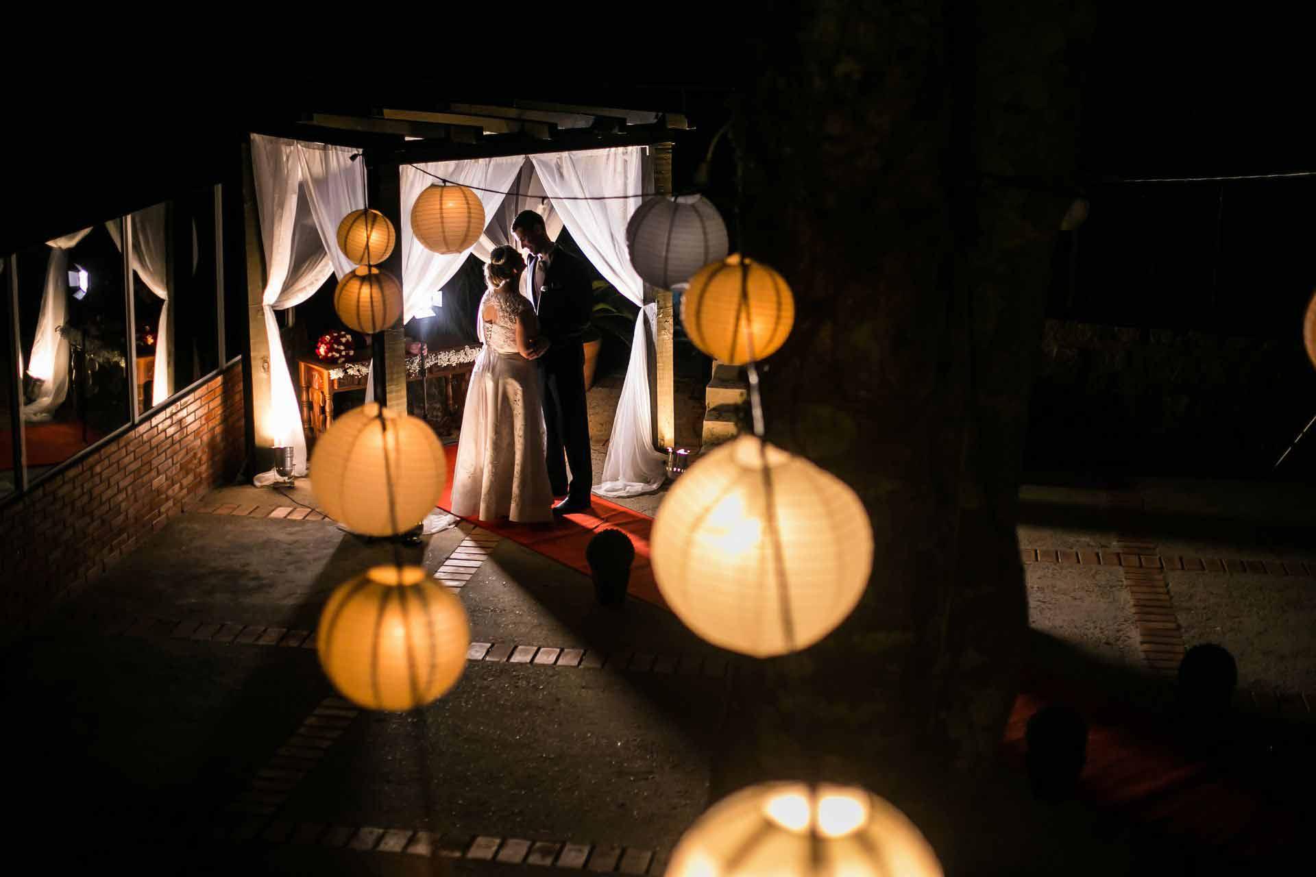 Casamento noturno beira guaiba